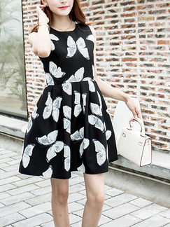 Black and White Fit & Flare Above Knee Plus Size Dress for Casual Party