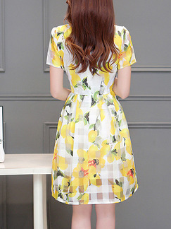 Yellow and White Fit & Flare Floral Above Knee Plus Size Dress for Casual Party