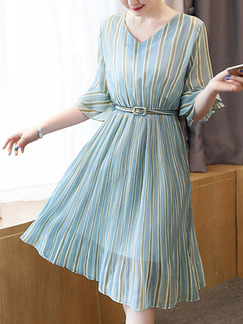 Blue Shift Knee Length Plus Size V Neck Dress for Casual Office Party