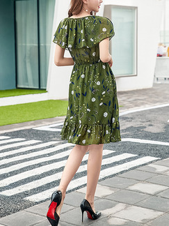 Green Fit & Flare Above Knee Plus Size Floral Dress for Casual Party Office Evening