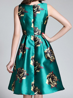 Green Fit & Flare Knee Length Plus Size Floral Dress for Cocktail Evening Party