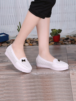 White Leather Round Toe Flats