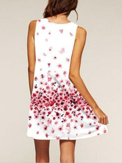 White and Red Floral Shift Above Knee Plus Size Dress for Casual