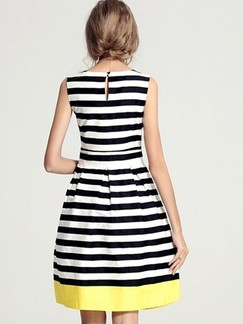 Black and White Fit & Flare Above Knee Dress for Casual Party