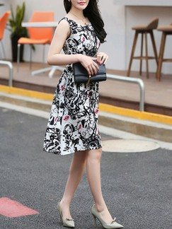 Black and White Fit & Flare Knee Length Plus Size Dress for Casual