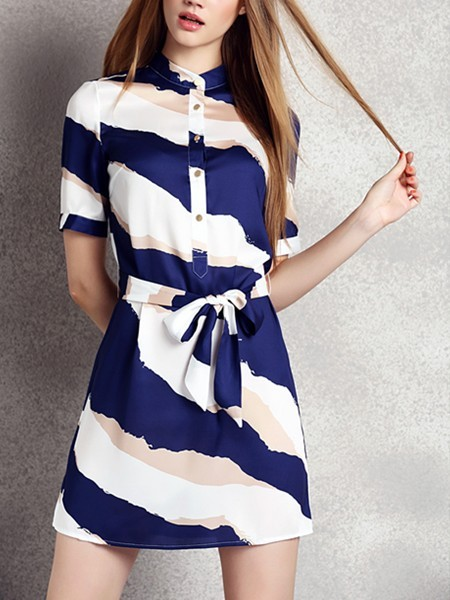 White and Blue Shift Above Knee Plus Size Dress for Casual Evening