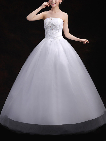 Wedding Dress For   Ph : White strapless ball gown embroidery beading dress for
