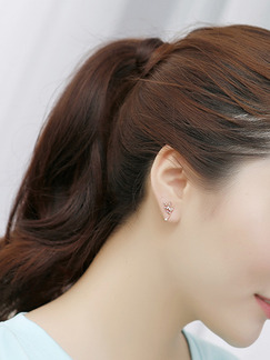 Gold Plated Leaf Rhinestone Stud