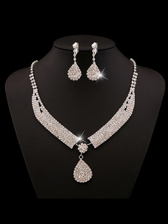 Silver Plated With Chain and Earrings Rhinestone Necklace