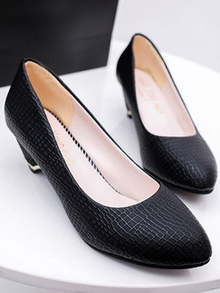 Black  Leather Pointed Toe Pump Low Heel 5cm Heels