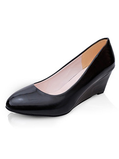 Black Patent Leather Pointed Toe Low Heel 5cm Wedges
