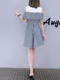 Black and White Stripe Above Knee Slim A-Line Stripe Off-Shoulder Linking Contrast Plus Size Dress for Casual