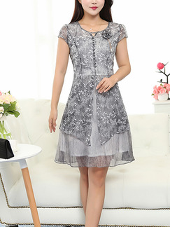 Grey Plus Size A-Line Slim Buckled Two-Layered Printed Knee Length Dress for Casual