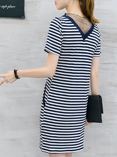 Blue and White Stripe Plus Size Knitted Stripe Mesh Linking Above Knee V Neck Shift Dress for Casual