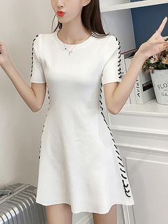White Knitted Slim A-Line Round Neck Contrast Stitching Above Knee Dress for Casual Party
