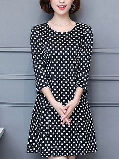 Black and White Plus Size Slim A-Line Contrast Wave Point Round Neck Fit & Flare Above Knee Dress for Casual Party Office