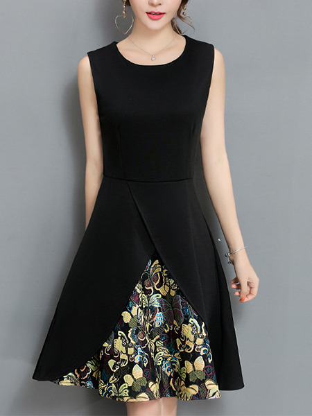 Black Slim Located Printing Knee Length Fit & Flare Plus Size Dress for Casual Party