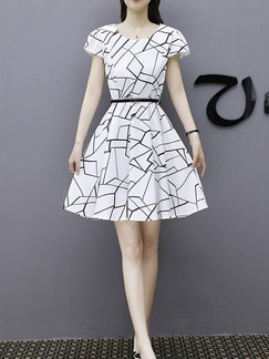 White and Black Slim A-Line Printed Above Knee Fit & Flare Plus Size Dress for Casual Party