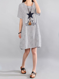 Black and White Plus Size Loose H-Shaped Contrast Stripe Letter Printed Pentagram Above Knee Shift Dress for Casual