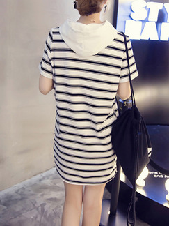 White and Black Plus Size Loose H-Shaped Contrast Stripe Hooded Drawstrings Pockets Shift Above Knee Dress for Casual