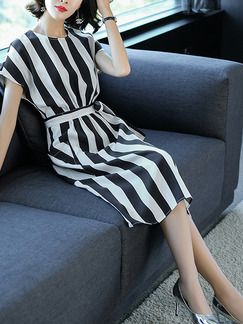 Black and White Plus Size Slim Contrast Stripe Round Neck Band Belt Pockets Knee Length Dress for Casual Office
