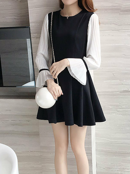 Black and White Slim A-Line Pleated Contrast Above Knee Fit & Flare Dress for Casual Party