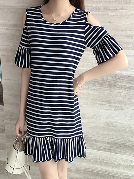 Black and White Plus Size Slim A-Line Contrast Stripe Round Neck Off-Shoulder Flare Sleeve Fishtail Above Knee Dress for Casual Party