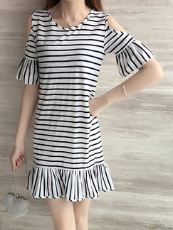 White and Black Plus Size Slim A-Line Contrast Stripe Round Neck Off-Shoulder Flare Sleeve Fishtail Above Knee Dress for Casual Party