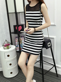 Black and White Slim Contrast Stripe Round Neck Over-Hip Above Knee Dress for Casual Party