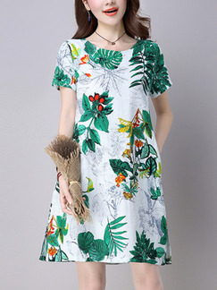 Green and White Plus Size Slim A-Line Printed Round Neck Pockets Furcal Side Shift Knee Length Dress for Casual