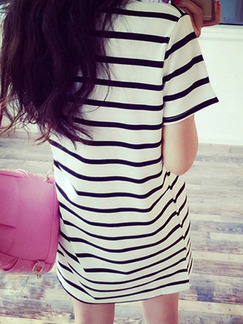 White and Black Plus Size Loose Round Neck H-Shaped Contrast Stripe Above Knee Dress for Casual