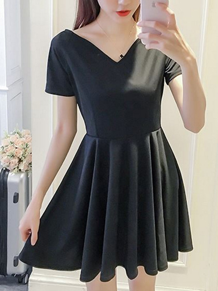 Black  Slim Pleated Above Knee Fit & Flare V Neck Plus Size Dress for Casual Party