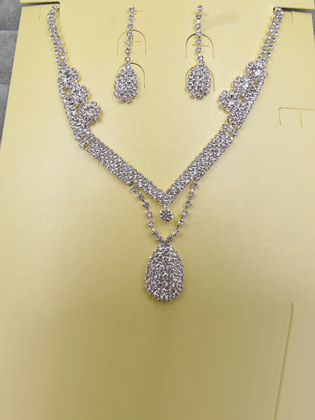 Alloy and Rhinestone Dangle Necklace Set
