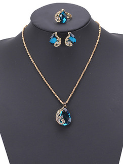 Alloy and Gemstone Gold Chain Necklace Set