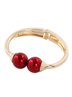 Alloy and Pearls Bead Bangle