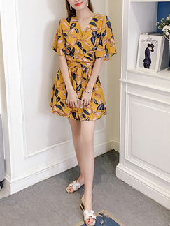 Yellow Colorful Two-Piece V Neck Plus Size Printed Band Belt Shorts Wide Leg Cute Jumpsuit for Casual Party Evening