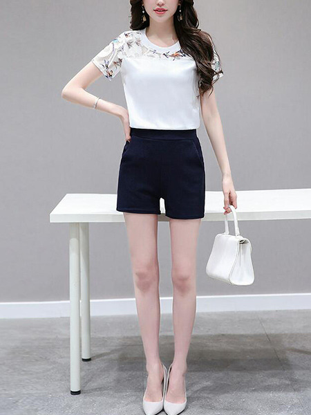 White and Blue Slim Linking Printed Lace Two-Piece Shorts Jumpsuit for Casual Party