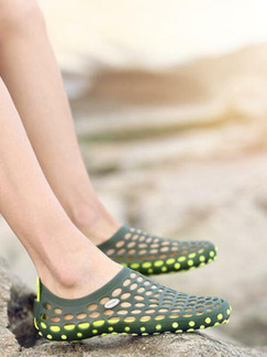 Green and Yellow Plastic Cement Round Toe Platform 2cm Perforated Men Shoes