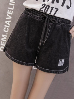 Black Denim U-Shaped Clear Line Adjustable Waist Band Belt One Quarter Shorts for Casual