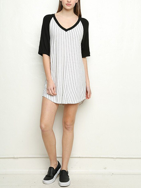 Black and White Loose Contrast Linking Stripe V Neck Top for Casual