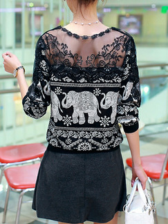 Black and White Plus Size Loose Printed Round Neck Linking Lace Cutout Off-Shoulder Open Back Top for Casual