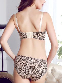 Leopard Printed Adjustable Rim Two-Piece Set Everyday Push Up Nylon Lingerie Set